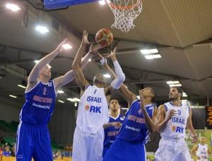 טיוס מול בריטניה. FIBA Europe / Castoria / Wiedensohler
